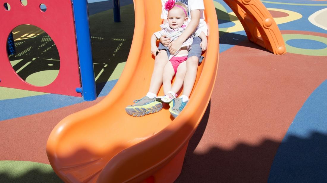 kids-on-slide-texas