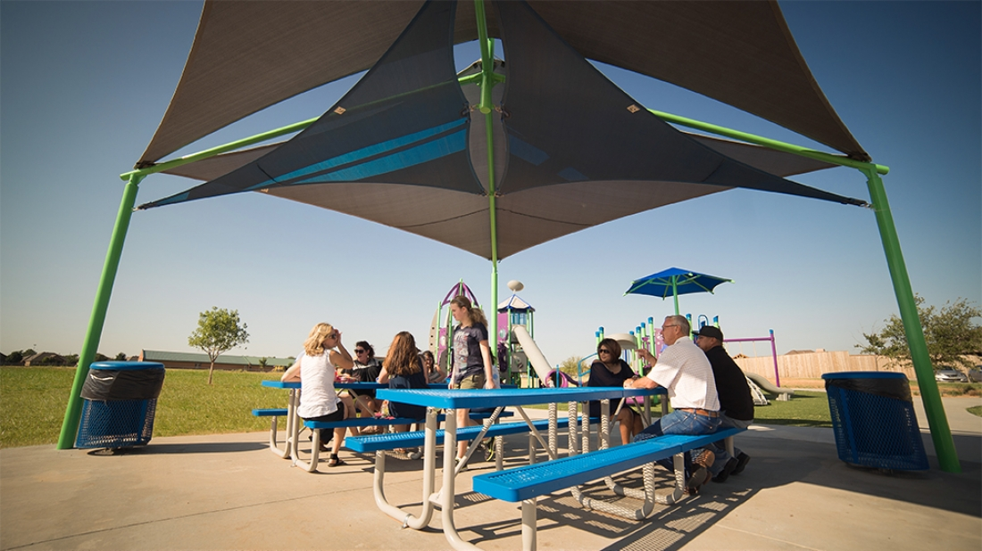 Picnic Table with Shade